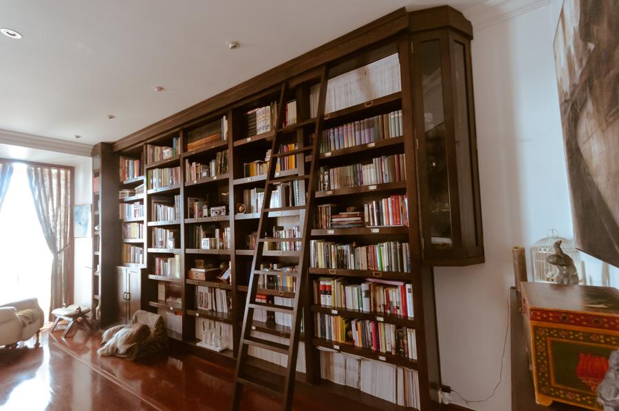 escalera de biblioteca