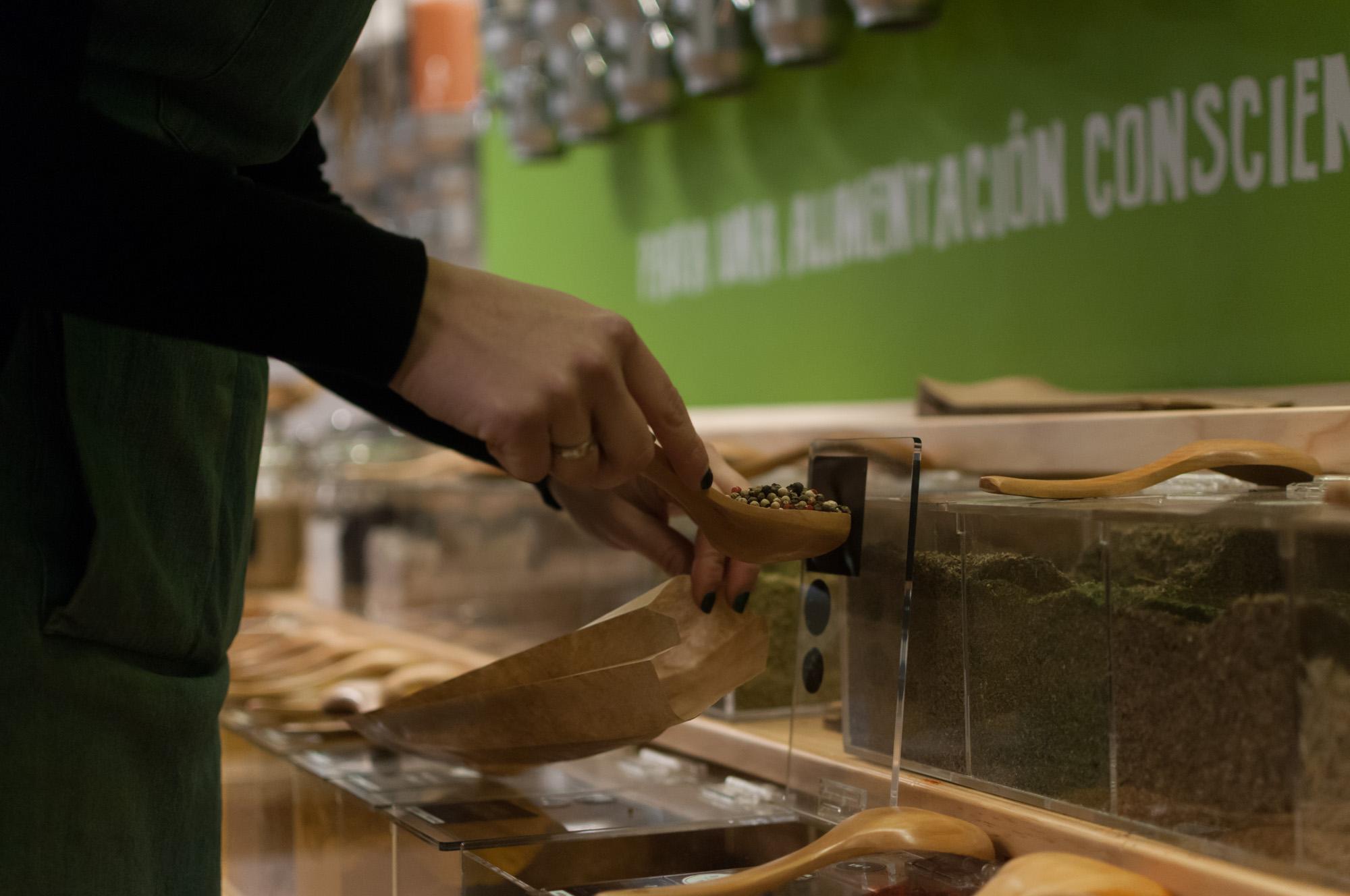 granel-alimentacion-al-peso-sostenible-en-gijon, persistencia o cambio, mar vidal, cocina, sostenible, ecológico, gijon, asturias, españa, tiendas, especias, legumbres, al peso