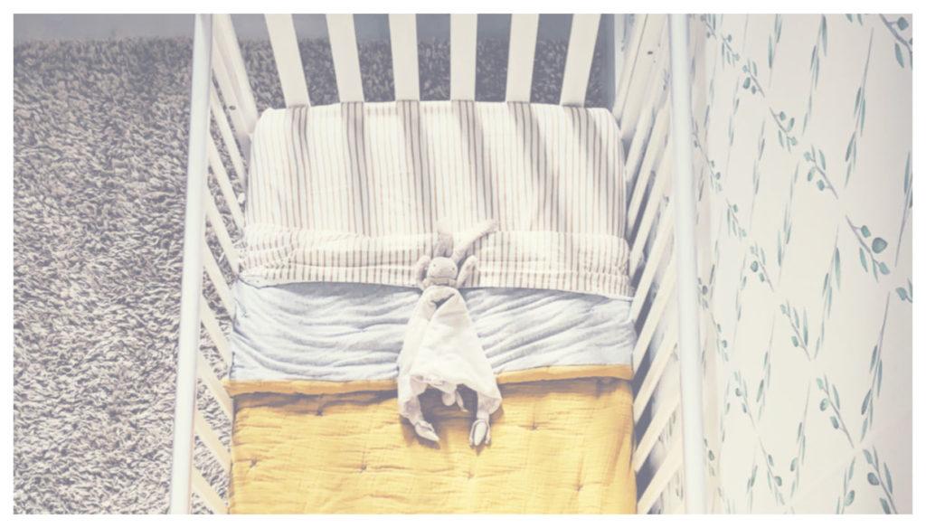probando-los-colchones-emma-kids, mar Vidal, la casa de mar orden y deco, lcdm, colchones, colchon, nursery, habitación infantil, habitación de bebe, bebe, maternidad